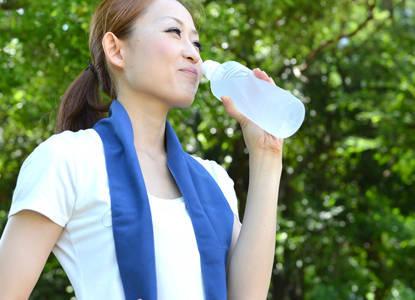 【水ダイエット】その効果と方法とは?浮腫みや太る心配はないの?正しく飲んで楽して痩せよう!
