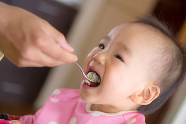 赤ちゃんの離乳食用ベビーチェアは本当に必要?選び方のコツとおすすめの椅子を一挙ご紹介!