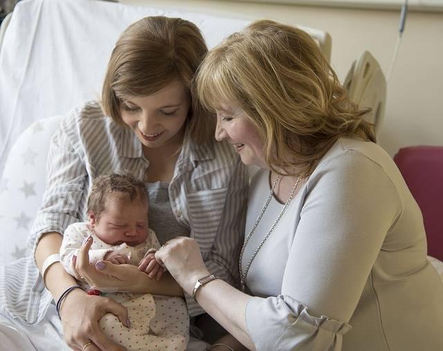 産後ケアサービスって?主なサービス内容と自宅でできるケアについて【まとめ】