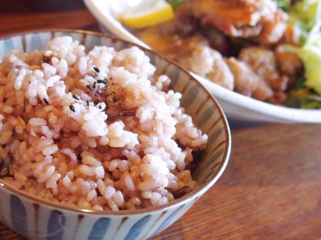 雑穀米の気になるカロリーを教えて!栄養豊富でダイエットにも最適な雑穀米の魅力を紹介♪