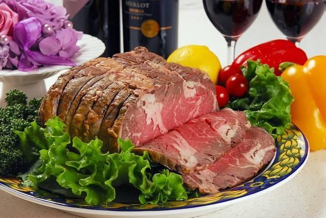 サンタも喜ぶ♡ローストビーフの絶品ソースレシピ!クリスマスメニューにいかが?