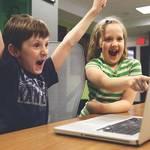 SNSが子供の安全を脅かす…?!ネットの危険から我が子を守るためのポイントとは