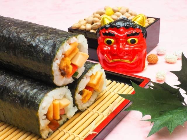巻き寿司の巻き方は4つのコツを掴めば簡単!節分恵方巻き人気の具ランキングもご紹介♡