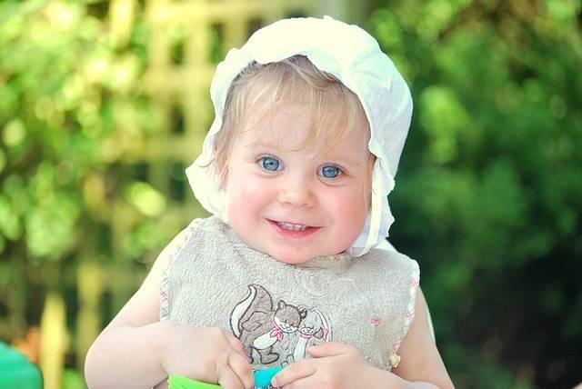 我が子を赤ちゃんモデルにするには?気になる倍率や出演料・合格するコツもこっそり教えます!