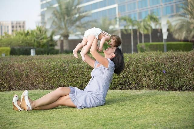 赤ちゃんがなかなか真似っこしない!そんなときは遊びながら楽しく学ばせてみよう♪