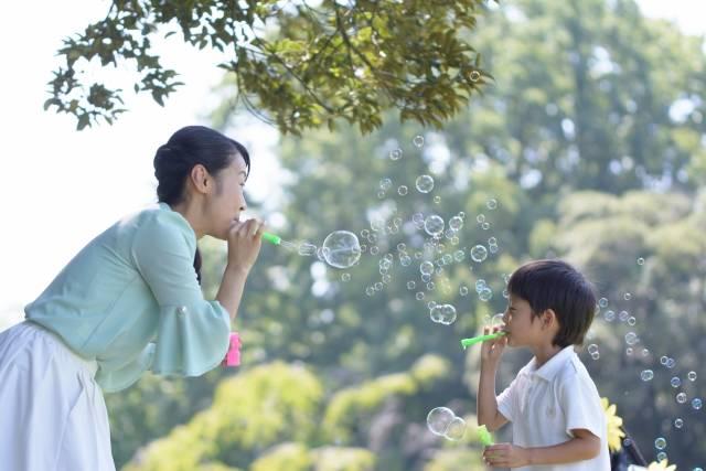 最新!子連れレジャーにおすすめのグッズ14選♡ピクニックやお花見の必需品と選び方をご紹介!