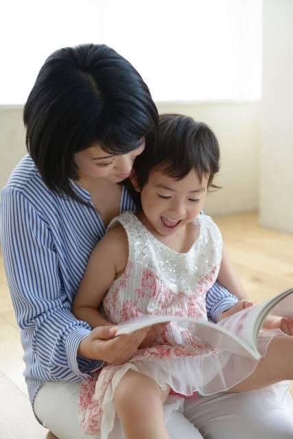 子育て中に読んであげたい☆泣ける絵本7選&笑える絵本9選!ストレス解消にも♪