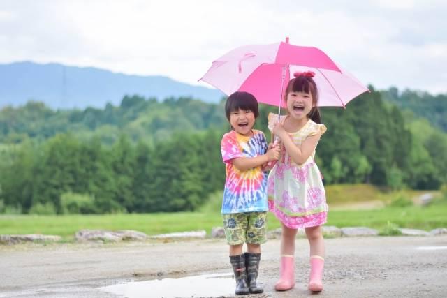 雨の日のそとあそびを楽しく♡最新おすすめ子供用レイングッズ特集&選び方のポイント大公開♪