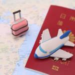 赤ちゃんの海外旅行デビューはいつから?パスポートは必要?行き先選びのコツと飛行機対策まとめ