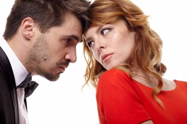 【旦那あるある】夫にイラっとする妻の本音とは?注意するときに逆ギレされない「伝え方」のコツ