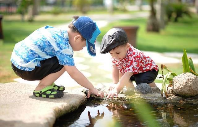 5歳児の発達ってどんなもの?身体や情緒面の発達目安と子育てポイントまとめ