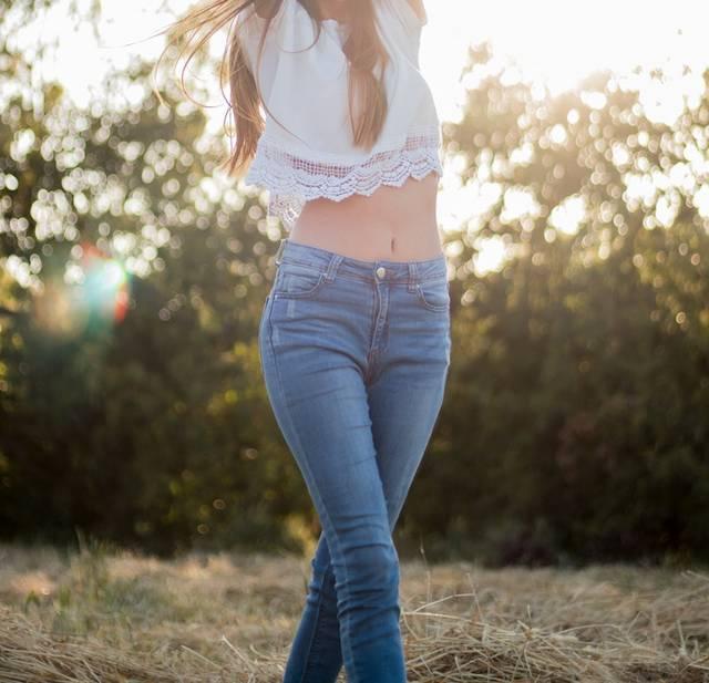 2019春デニムコーデ14選「ユニクロ・ハイライズワイドストレートジーンズ」の魅力を大公開