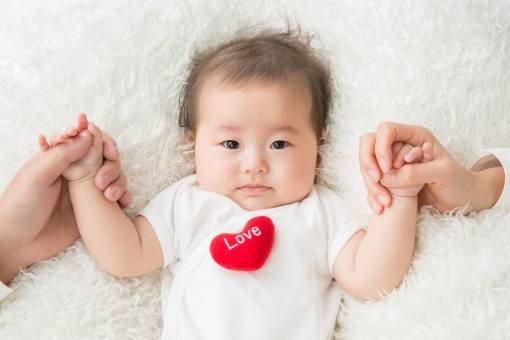 赤ちゃんの肌着の種類や選び方は?月齢&季節別組合せ方や人気ブランドTOP3も大公開!