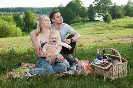 赤ちゃんとの旅行はいつから?宿選びのポイントや注意点・持ち物などを知って快適な旅に!