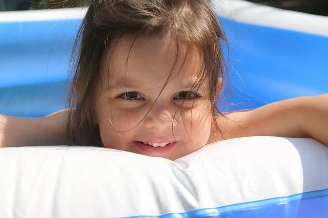 大型ビニールプールおすすめ製品6点!準備や価格・サイズ…賢く選んで楽しく水遊び!
