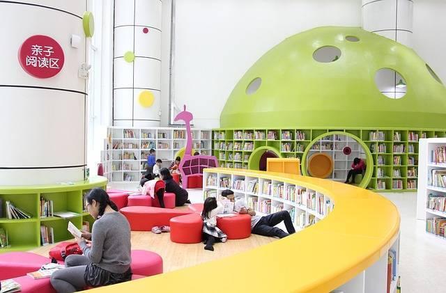 子どもと一緒に図書館へ行こう!いつからOK?便利なサービスは?気になる疑問を調査しました!