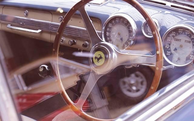 自動車保険の等級とは?事故と割引率の関係や気になる保険料への影響について!