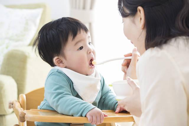 初めて離乳食を作るママへ!初期・中期・後期・完了期の進め方や食器の選び方を総まとめ!