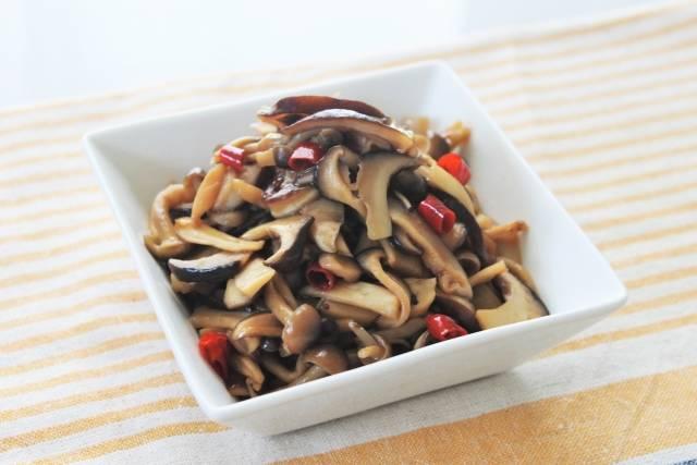 きのこを使った人気のおかずレシピ10選!作り置きやお弁当にも簡単に作って秋の味覚を楽しもう
