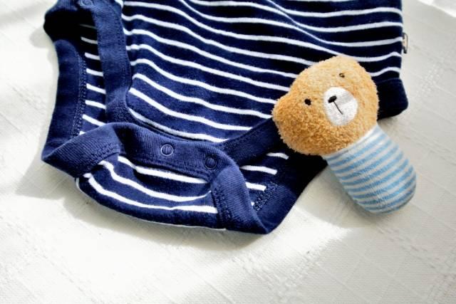 サイズアウトした赤ちゃん服ってどうしてる?フリマアプリが便利!リメイクして活用する方法も