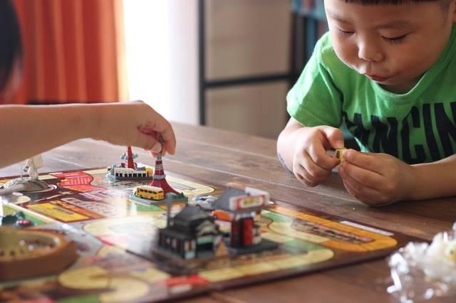 幼児におすすめのボードゲーム6選!親子のコミュニケーション時間がUPする楽しいおもちゃ