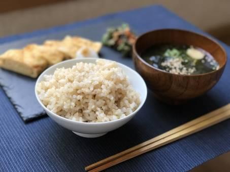 残りご飯で簡単アレンジメニュー10選!アッと驚くレシピで家族みんな大満足の料理を作ろう!
