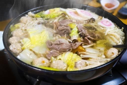 簡単なのに絶品の鍋レシピ10選!心も体もホッカホカ!家族みんなで食卓を囲もう!