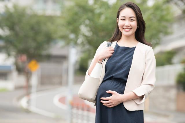 妊娠したら仕事はいつまで続けられる?気を付けたいことや利用できる制度も確認しよう