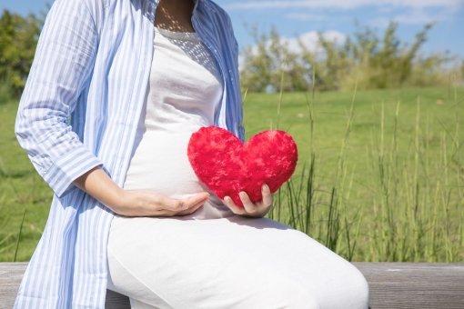 妊娠初期症状はいつから?生理前との違いは?体や心に現れる8つの変化をマスターしよう!