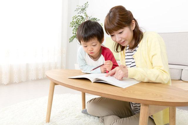 3歳児向け知育ドリルおすすめ8選!入園前や年少の子どもにぴったり!上手に活用する方法も