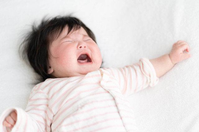 【体験談】赤ちゃんの夜泣きはどうやって乗り越えたらいい?原因や解決方法を徹底解説!