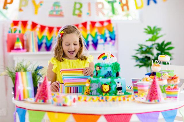 4歳の女の子への誕生日プレゼント人気10選!子供が本当に喜ぶおもちゃやアイテムをご紹介