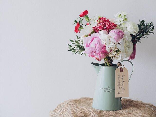 花を飾ったおしゃれなインテリア実例10選!飾り方を真似して花で彩る暮らしを楽しもう!
