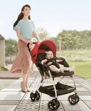 赤ちゃんをぐるり360°おでかけストレスから守る。オート4輪ベビーカー「オプティア」、6月24日新発売! ダブルサスペンションで、路面から伝わる振動を最大40%(※1)軽減!!|アップリカ・チルドレンズプロダクツ合同会社のプレスリリース (10420)
