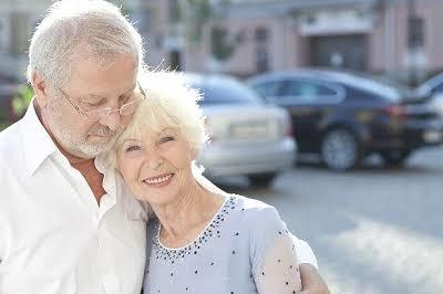 ラブラブ夫婦の数十年後はどう変わる? 年代別の「夫婦愛」比べてみた : 東京バーゲンマニア (11698)