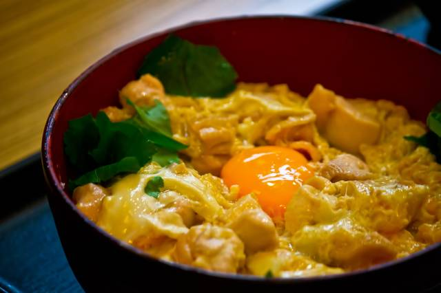 卵と親子丼|フリー写真素材・無料ダウンロード-ぱくたそ (28796)