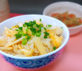 簡単!激ウマ!筍ご飯 (炊き込みご飯) by ナウちゃん [クックパッド] 簡単おいしいみんなのレシピが259万品 (31773)