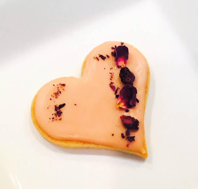 バラとポメグラネイトのクッキー