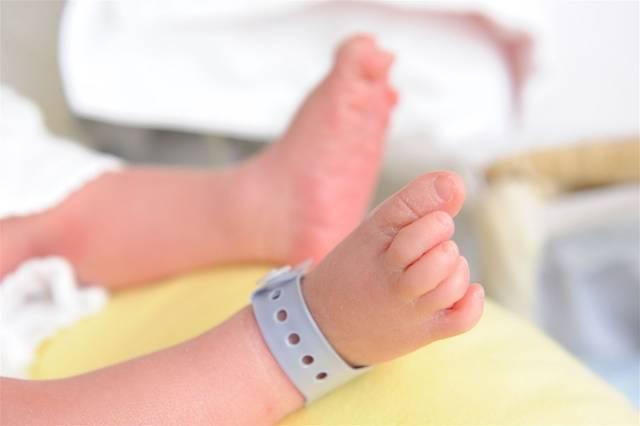 産まれたての赤ちゃん|写真素材なら「写真AC」無料(フリー)ダウンロードOK (98846)