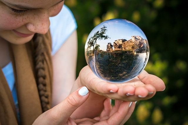 Free photo: Glass Ball, Fortune Teller, Hand - Free Image on Pixabay - 1754432 (9089)
