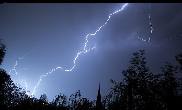Free photo: Lightning, Storm - Free Image on Pixabay - 199651 (10833)