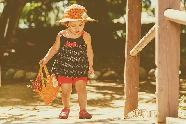Free photo: Baby, Walking, Retro, Child, Family - Free Image on Pixabay - 1542920 (23926)