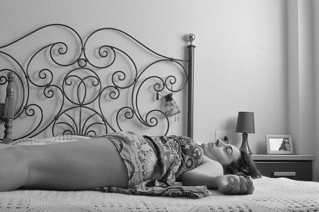 Free photo: Composition, Women, Lying Down, Bed - Free Image on Pixabay - 1217184 (26778)