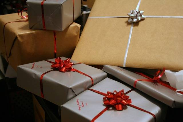 Free photo: Presents, Packages, Wrapped, Bows - Free Image on Pixabay - 1058800 (29351)