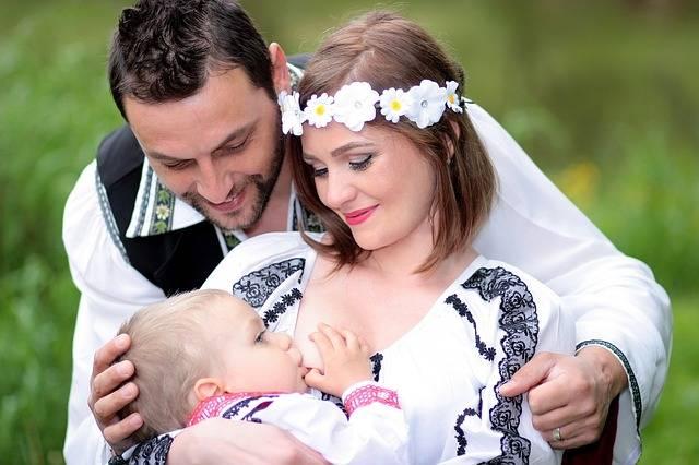 Free photo: Family, Breastfeeding, Mom, Dad - Free Image on Pixabay - 1350742 (30320)