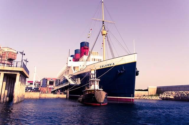 Free photo: Ship, Columbia, Harbor, Disney - Free Image on Pixabay - 832111 (31025)