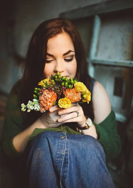 Free photo: Woman, Flowers, Female, Sitting - Free Image on Pixabay - 768702 (31452)