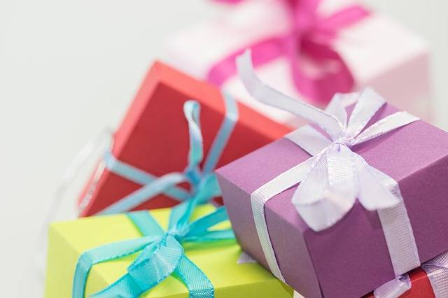 Free photo: Gifts, Packages, Made, Loop - Free Image on Pixabay - 570821 (43914)