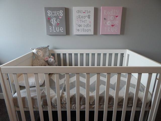 Free photo: Crib, Nursery, Baby, Bedroom - Free Image on Pixabay - 890565 (60704)