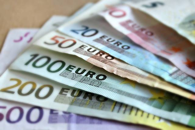 Free photo: Bank Note, Euro, Bills, Paper Money - Free Image on Pixabay - 209104 (61722)